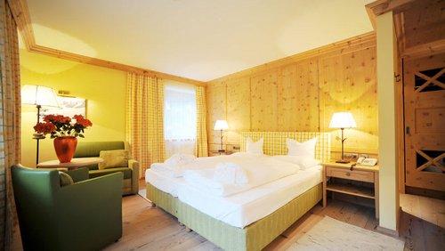 Zirbenholz Doppelzimmer1