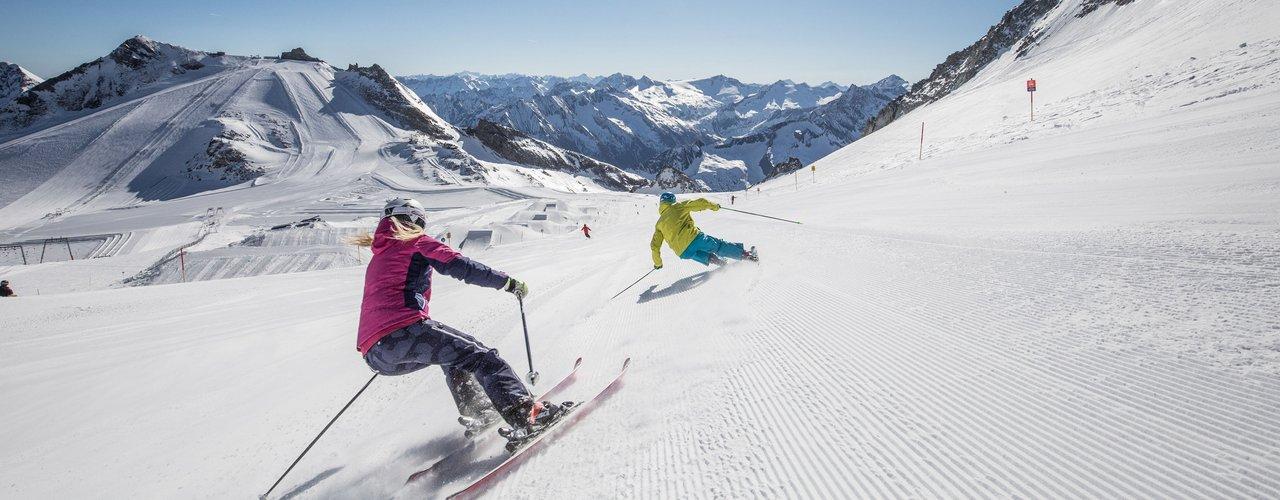 Badhotel_Kirchler_Tux_Skifahren_Hintertuxer_Gletscher.jpg
